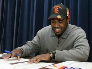 DE Glen Stanley awaits release from USC, returns to Florida