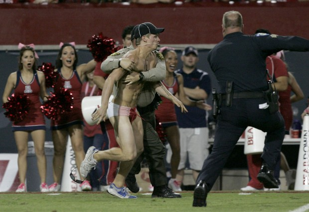 Arizona streaker could face 18 months in jail