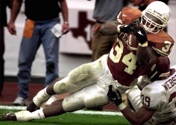 Texas to unveil 8-foot, 1000-pound Ricky Williams statue